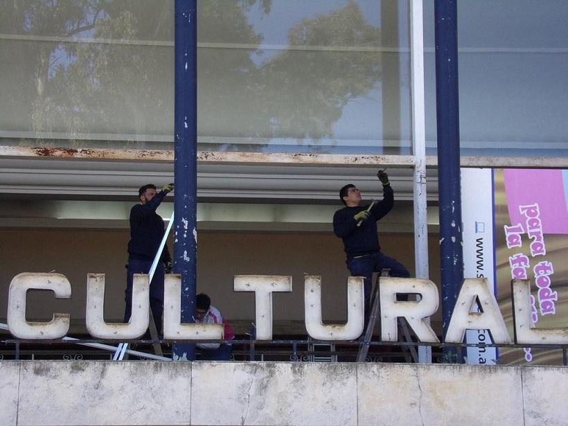 Mamparas Para Baño Venado Tuerto:director de Cultura, Roberto Mora, informó que en la mañana de